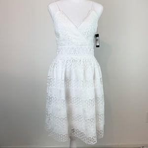 Guess NWT Lace V-neck A-line Dress women Size 2